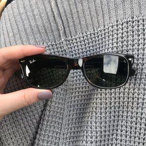 Used rayban sunglasses women's wayfarer